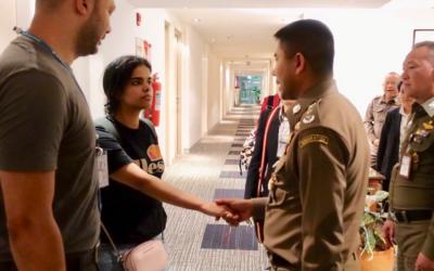 La joven saudí que escapó el pasado sábado de su familia pide asilo en Canadá